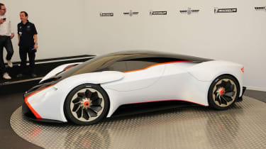Aston Martin DP-100 Gran Turismo Racer显示在耶稣如草