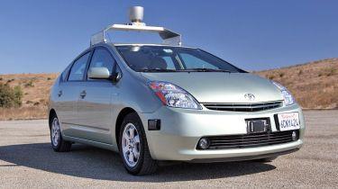 到2015年,无人驾驶汽车可以在英国道路上