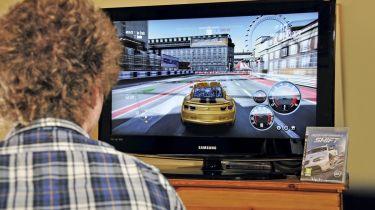 游戏玩家可能首次通过驾驶考试,然后崩溃