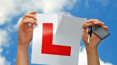 驾驶测试是否应该达到迄今为止?