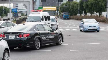 丰田在东京考试的自主汽车技术