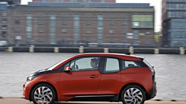 电动汽车可以在城市道路连接处获得优先权