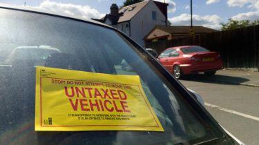 政府损失高达10700万英镑,达到755,000辆车不动