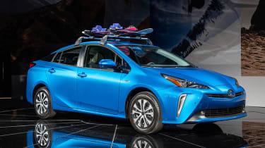 新的2019丰田Prius Procelift与全轮驱动版本