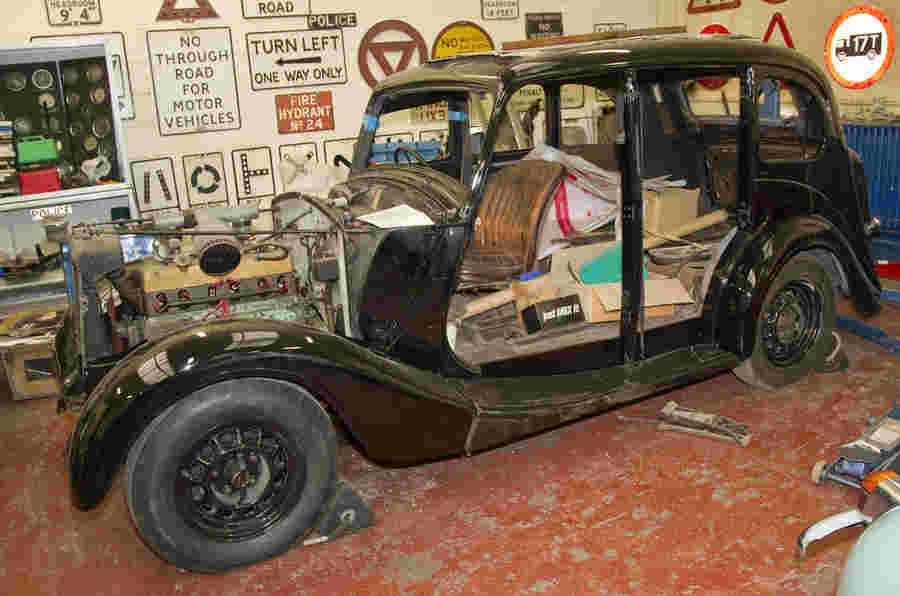 老式警车:Wolseley 18/85.