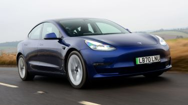 到2030年,路上比柴油机更多的电动汽车,司机预测