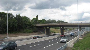 """几乎半英格兰的主要道路桥梁处于""""差""""状态"""